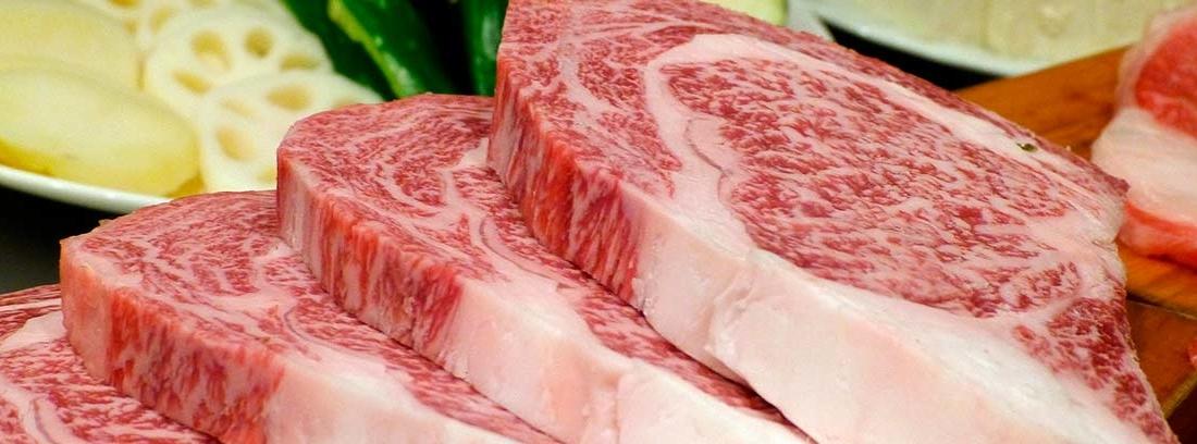 Piezas de carne marmoleada
