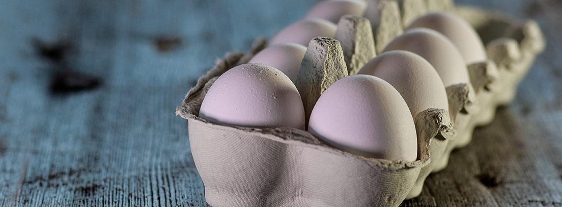 Caja con huevos