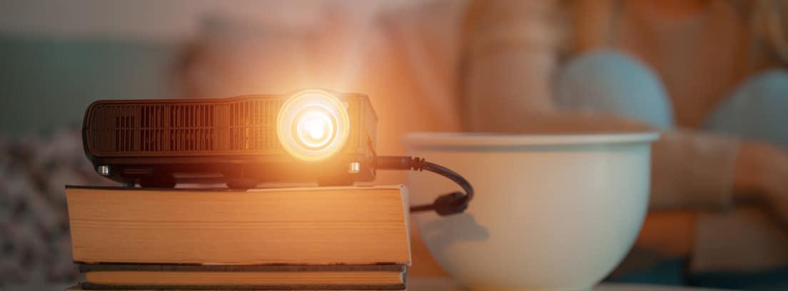 ¿Merece la pena poner un proyector en casa?