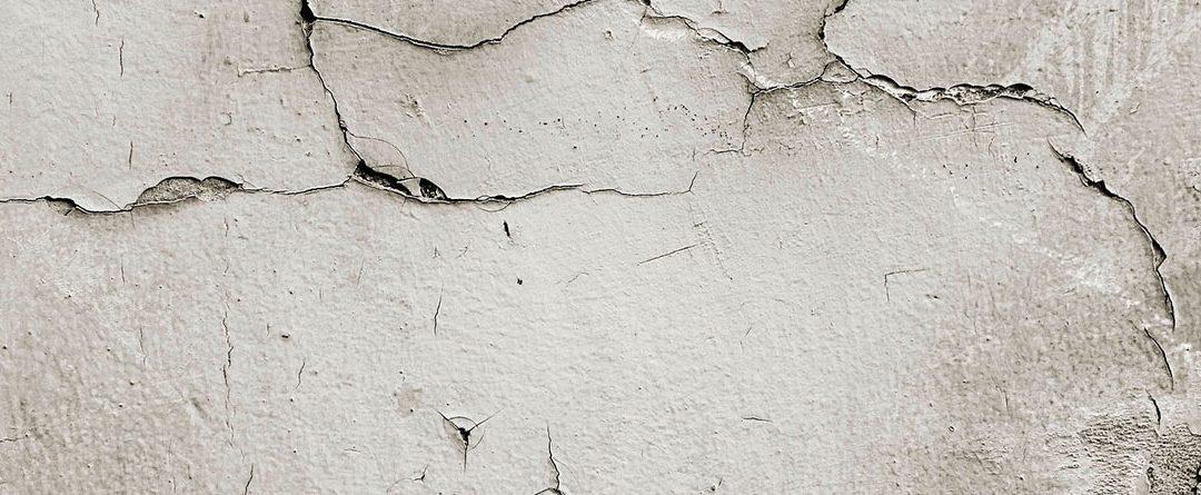 Repara las grietas y fisuras en las paredes tú mismo