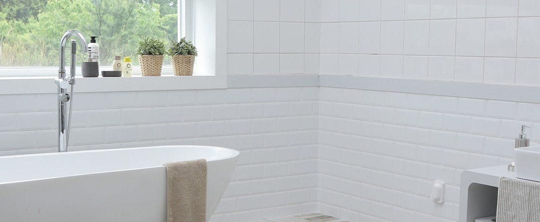 ¿Qué revestimientos usar en las paredes de mi cuarto de baño?