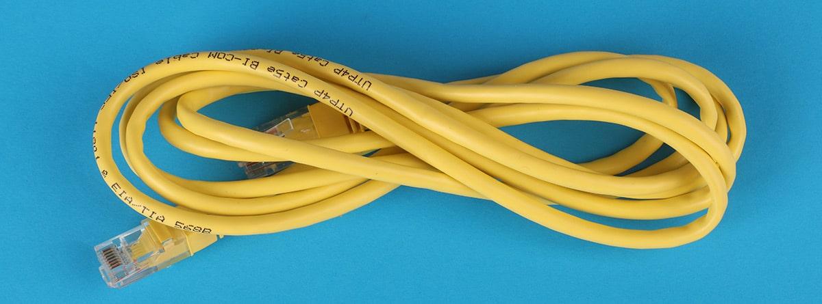 Cable RJ45 amarillo