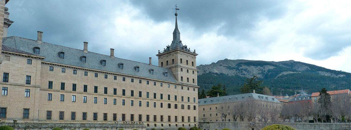 Jardines del Palacio del Escorial de Madrid decorados con Boj