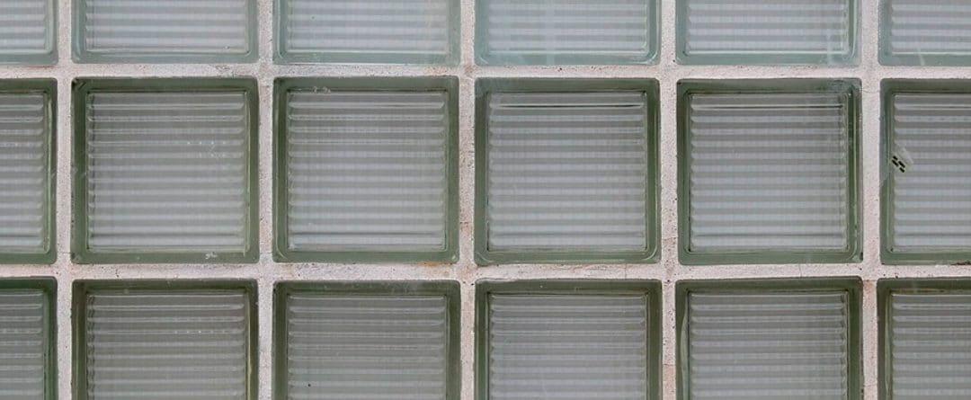¿Cómo hacer tú mismo una pared de bloques de vidrio?