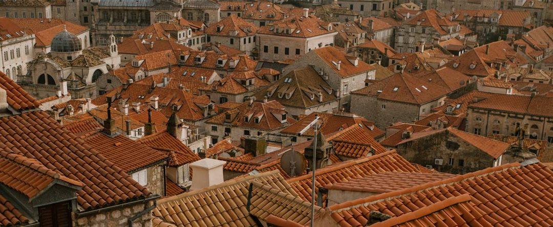 10 tipos de tejas para el tejado. Materiales y formas