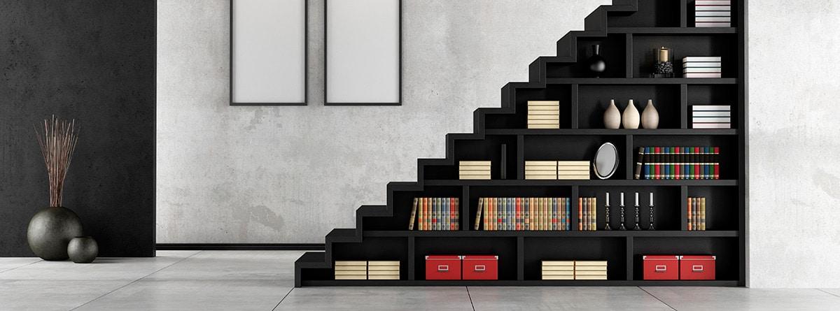escalera librería para dividir dos estancias